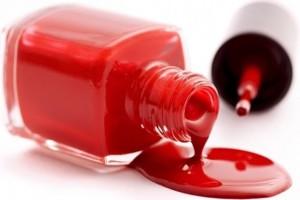 Cómo quitar el esmalte de uñas