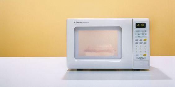 alimentos que no se deben calentar en el microondas