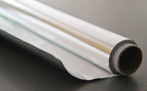 papel de aluminio o film transparente