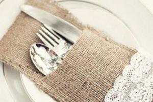 qué no debemos hacer en la mesa