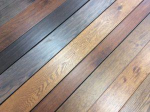 manchas de humedad de la madera